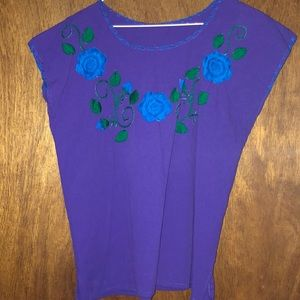 Tops - Embroired top